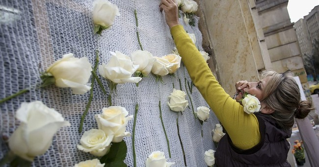 The Latest: Obama personally congratulates Santos over Nobel