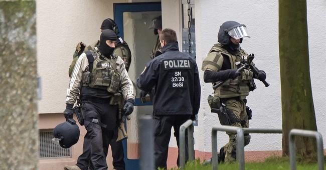 Manhunt for German bomb plot suspect; 1 man in custody
