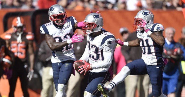 Pumped up: Brady passes for 406 yards in return for Patriots