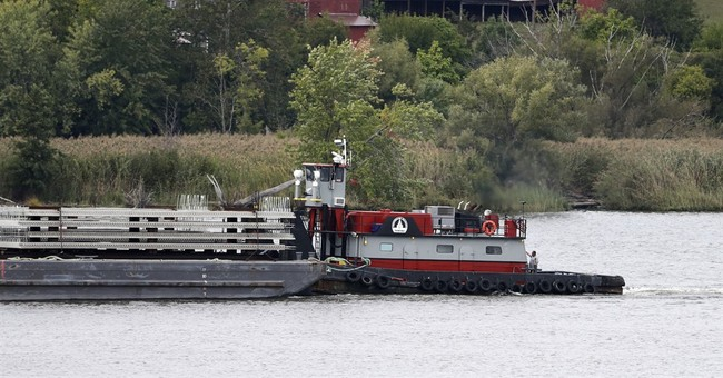 Barge parking lot? Hudson River plan draws ire of residents