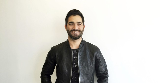 Tyler Hoechlin suits up as Superman for The CW's 'Supergirl'
