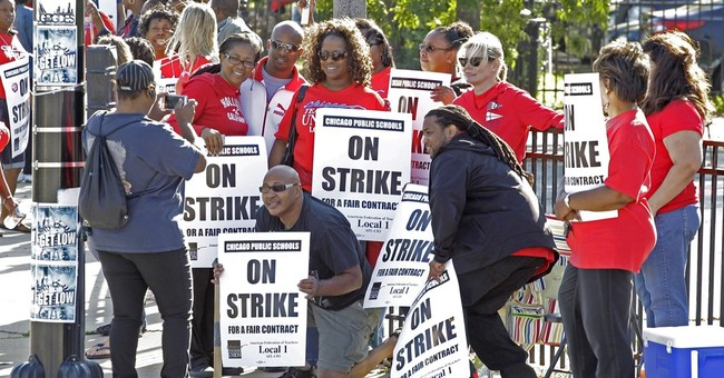 The Latest: Chicago Teachers Union to give update on talks