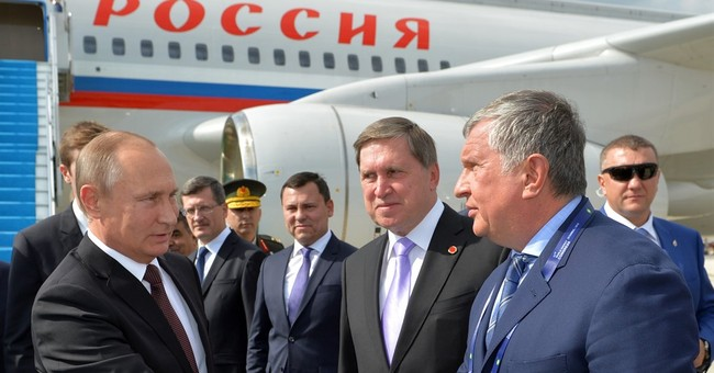 Moscow court orders paper to refute a report on Rosneft CEO