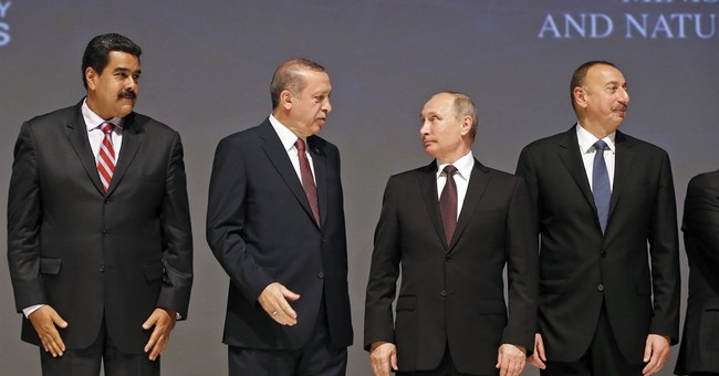 Turkey, Russia sign gas pipeline deal as ties improve