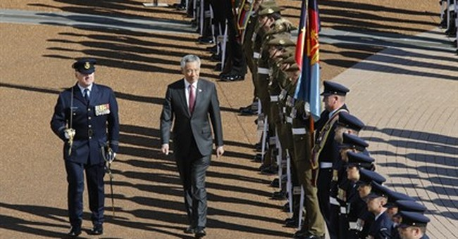 Singapore's leader visits Australia to improve defense ties