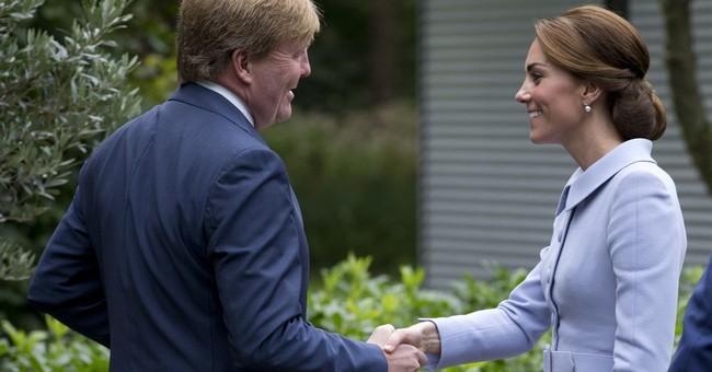 Art-loving Duchess of Cambridge visits Dutch museum