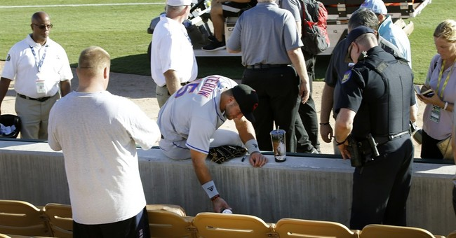 Tebow aids ill fan after 1st Arizona Fall League game
