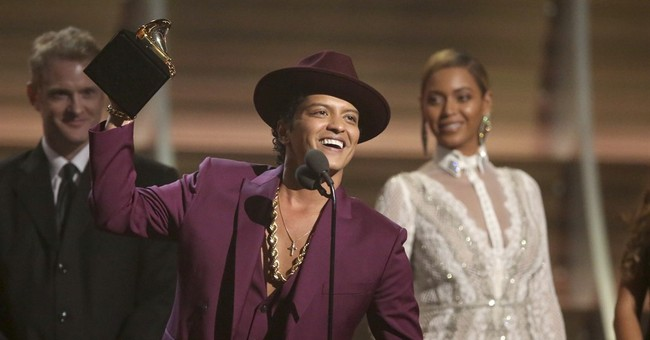 Justin Bieber, Bruno Mars, Spears to perform at Jingle Ball