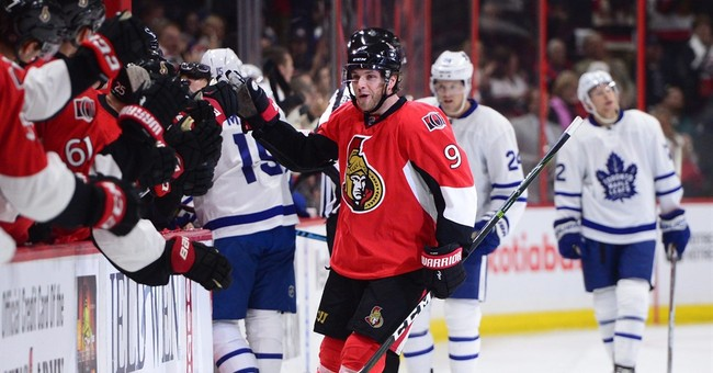 Maple Leafs' Matthews has modern record 4 goals in NHL debut