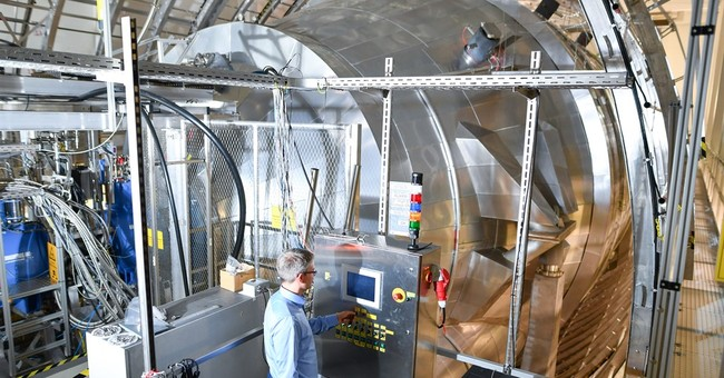 Experiment to weigh 'ghost particles' starts in Germany