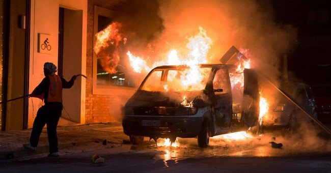 South African police arrest 9 in rioting near university