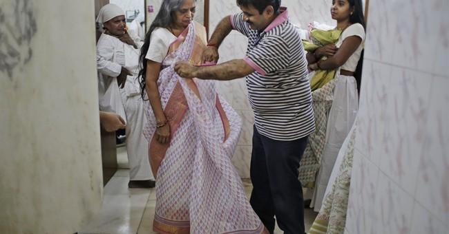 AP PHOTOS: Fashion show highlights progress for India widows