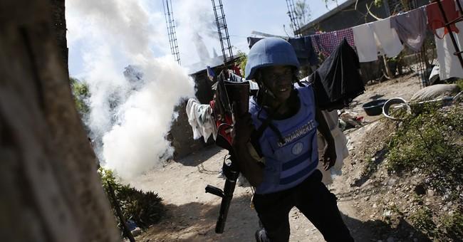 UN chief in Haiti gets glimpse of Matthew's destruction