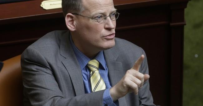 Critics: Bill favoring heterosexual parents unconstitutional