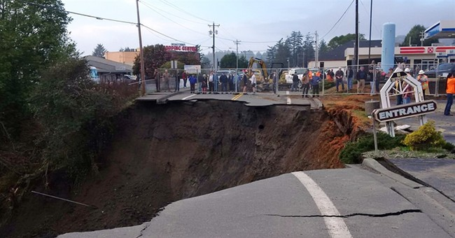 Massive sinkhole opens up near highway along Oregon coast