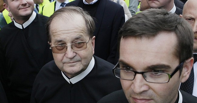 Poland to fund private college run by controversial priest