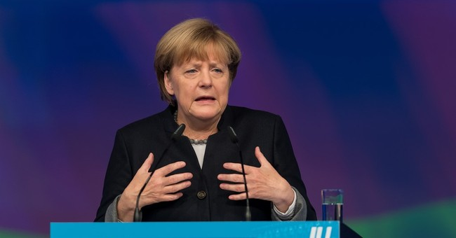 Merkel critic holding out for cap on refugees Germany admits