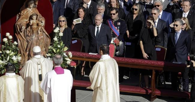 Pope canonizes Argentina's 'gaucho priest,' 6 others saints