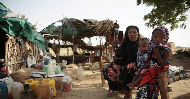 Their town destroyed, displaced Yemenis languish in a field