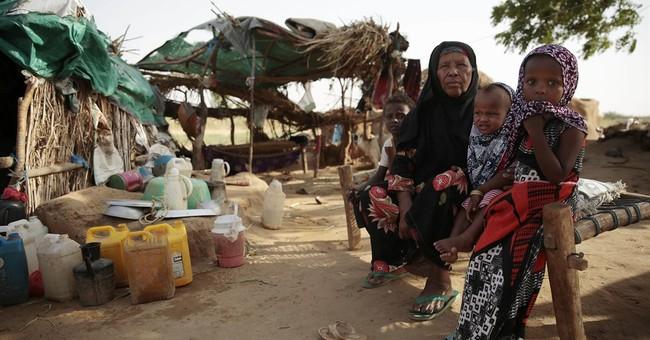 Their town destroyed, displaced Yemenis languish in a field