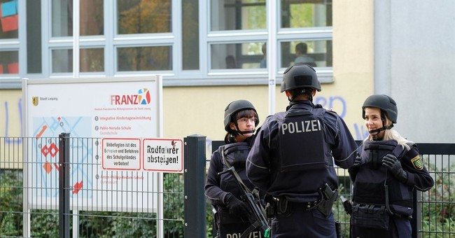 Germany: threats of violence emailed to schools