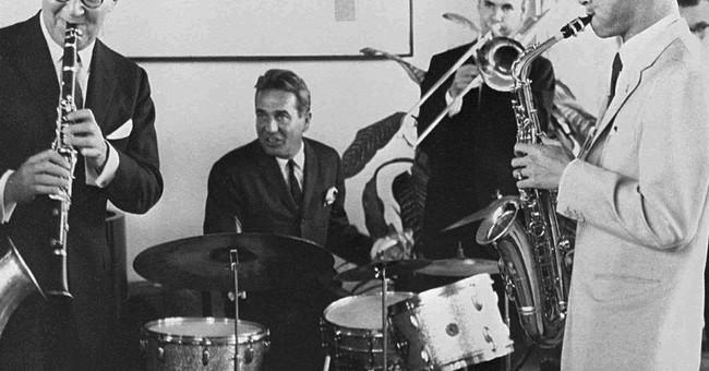 Thailand's late king also artist, jazz musician, inventor