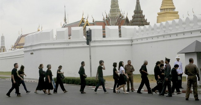 Deceased Thai king to remain a future father figure