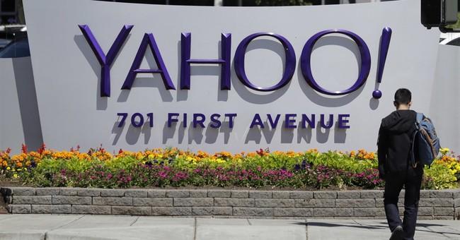 Yahoo stumbles again in 3Q, raising stakes on Verizon deal