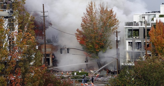 Gas explosion rocks Portland shopping district, injuring 8