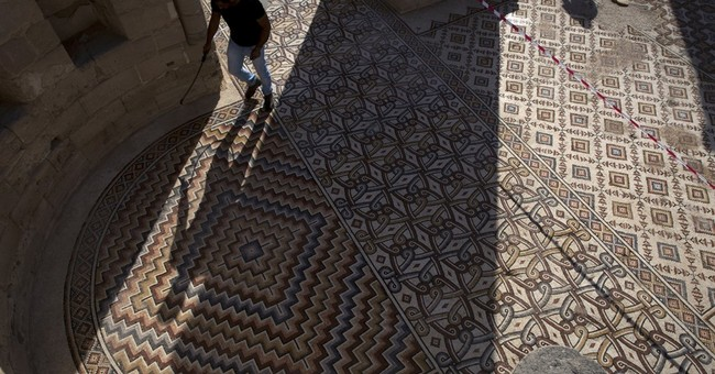 Massive carpet mosaic briefly uncovered in Palestinian town