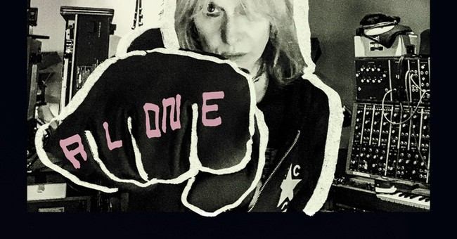 Review: Chrissie Hynde revives Pretenders on soulful 'Alone'