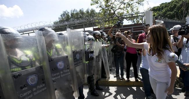 Opposition cries dictatorship after Venezuela blocks recall