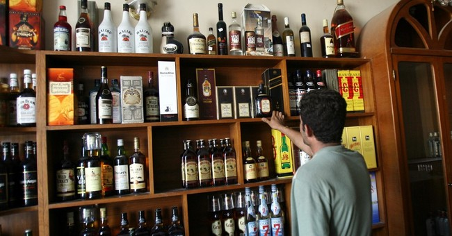 Iraqi parliament passes bill banning alcohol