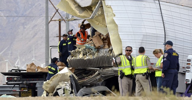 The Latest: Bus in fatal wreck had tires out of compliance