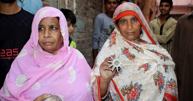 Cross-border fire in Kashmir kills 1 soldier, 3 civilians
