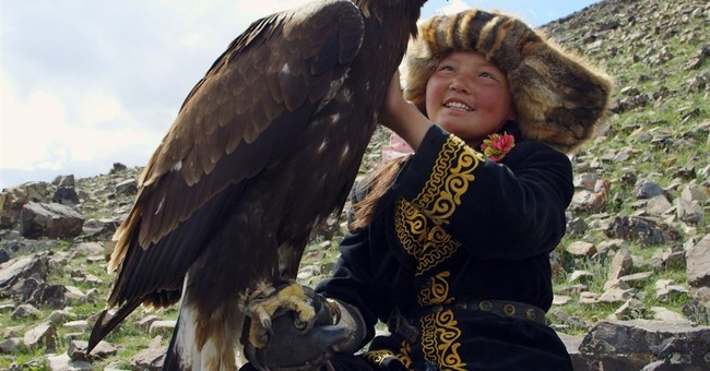 Review: 'The Eagle Huntress' is a heartwarming all-ages tale