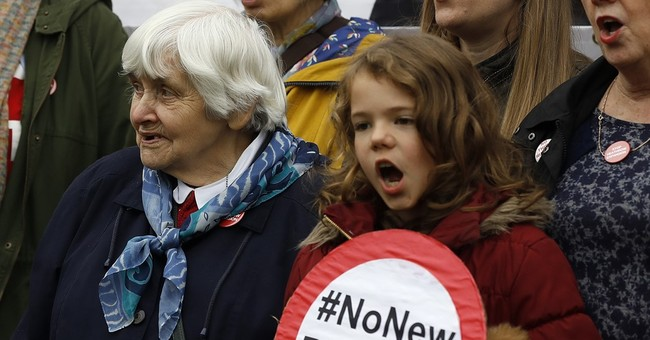 UK wants to raze 783 London homes to expand Heathrow airport