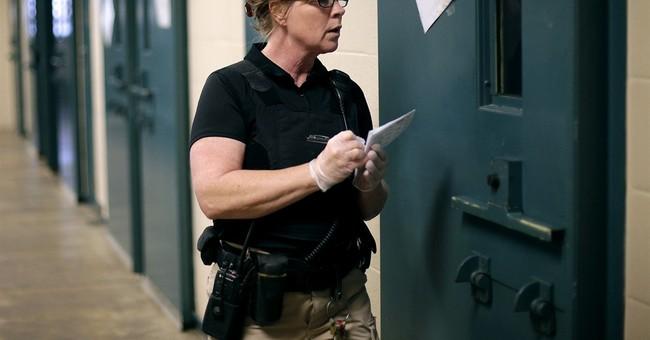 Improved economy creates prison staffing crisis for Kansas