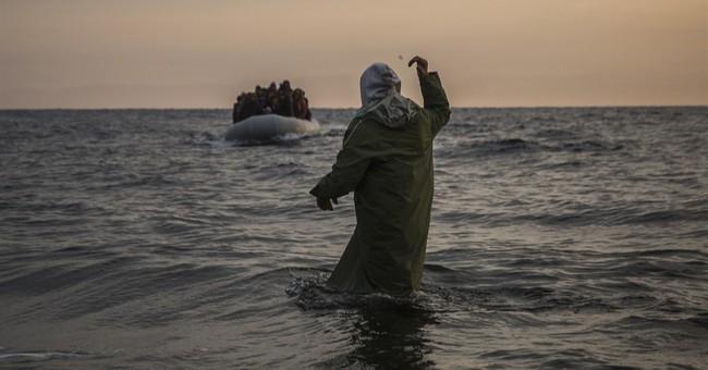 200 migrants rescued off Greece so far in 2016; 1 dead
