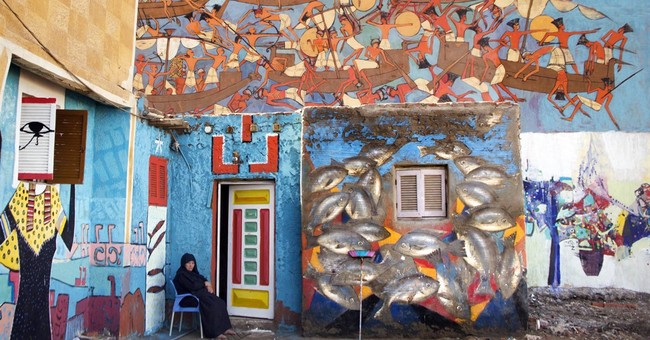 AP PHOTOS: Egyptian fishing town hosts wall art festival