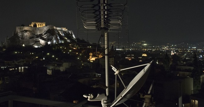 Greece court cancels TV license overhaul; blow to government