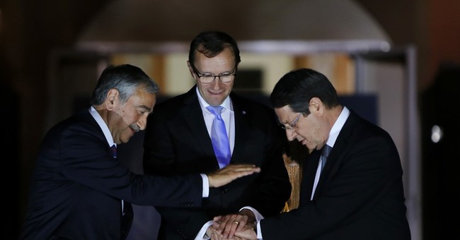 Rival Cyprus leaders to continue peace talks in Switzerland