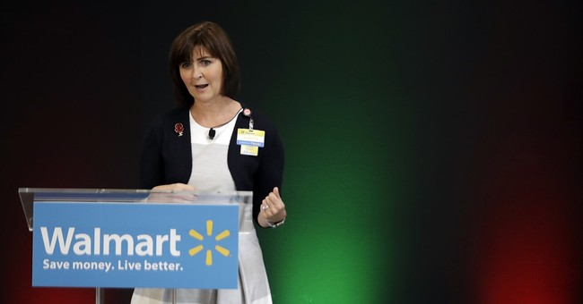 Wal-Mart pushes service for holiday; Target stresses value