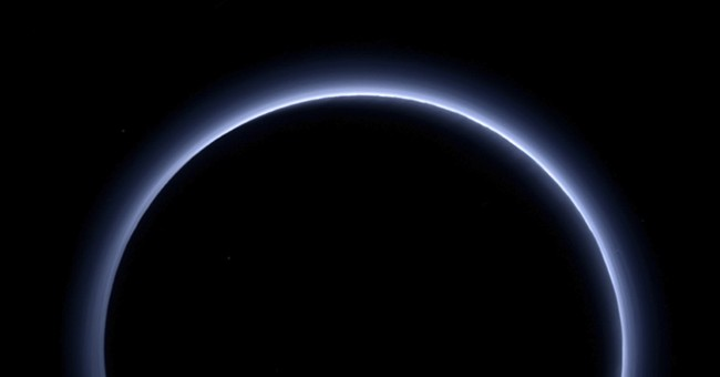 Spacecraft sends back last bit of data from 2015 Pluto flyby
