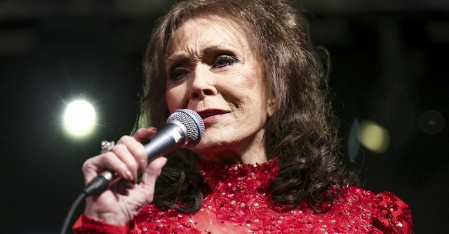 Loretta Lynn's career milestones played out on CMA stage