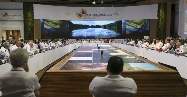 Maduro becomes talk of summit _ by not showing up