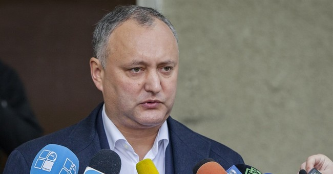 Moldova: pro-Russian candidate leads ahead of runoff