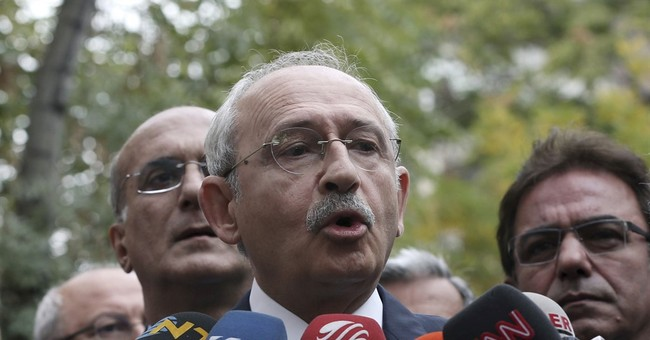 Turkey detains opposition newspaper editor, columnists