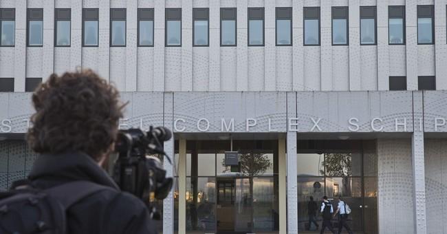 Geert Wilders boycotts start of his hate-speech trial