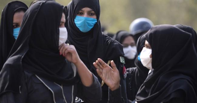 Pakistan's opposition leader calls off 'million men' march
